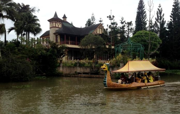 Perahu Naga Kota Bunga